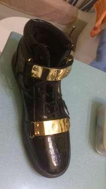 Продам Ботинки-кроссовки на плоской подошве, в Абинске