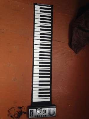 Синтезатор (гибкая клавиатура)