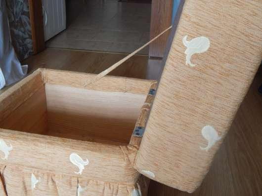 Банкетка (пуфик) для спальни