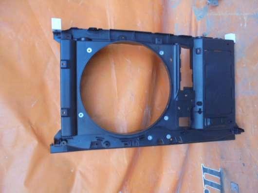 Передняя панель радиатора на Peugeot 408 2012г