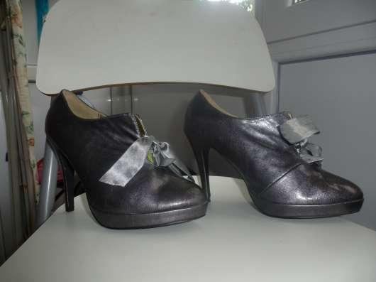 туфли серые каблук 7 см продам 38 размер