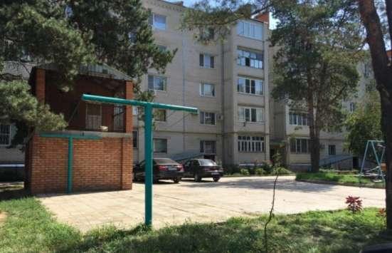 В Кропоткине в МКР 1-комнатная квартира 52 кв. м. 5/5