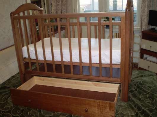 Детская кроватка Лилия Люкс универсальный маятни