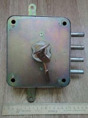 Замок накладной для металлической двери