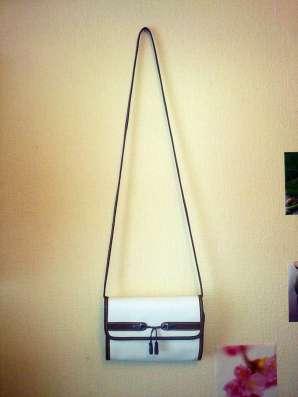 Стильная сумка-кроссбоди esprit (германия)