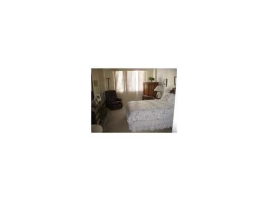 Квартира в Санни Айлс в кондоминиуме Winston Towers