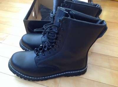 Кожаные ботинки фирмы BRANDI