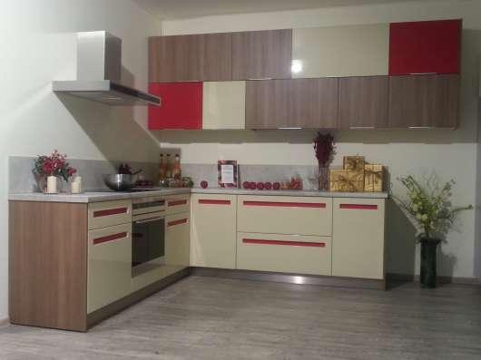 Продажа образца кухонного гарнитура из салона