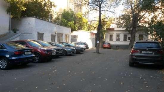 Отдельно стоящее здание в центре Москвы, метро Маяковская