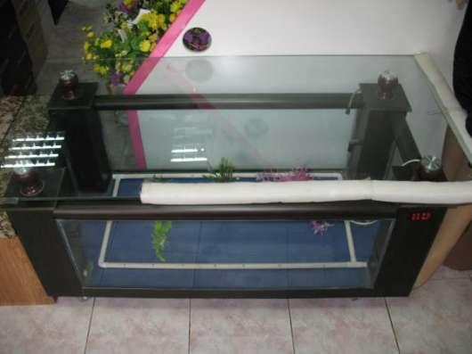 Журнальный стол аквариум