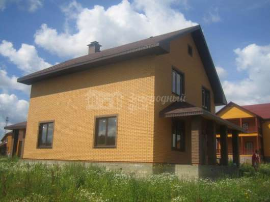 Дом по Киевскому шоссе из кирпича 260кв. м у озера