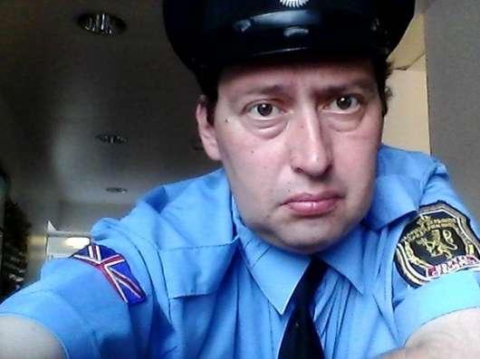 Ищу работу Охраник сторож в москве Фото 1