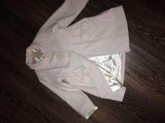 Пальто для девочки 4-6 лет б/у
