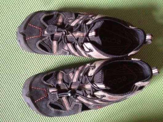 37 р-р, кроссовки летние, вентилируемые, нубук