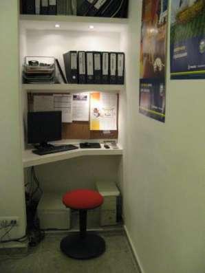 Оборудованный кабинет/рабочее место юристу, риэлтору, оценщику  аренду. 1 линия, отд. вход, отделка, центр города.