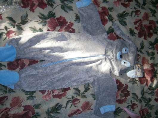 Новые костюмчики человечки велюровые ползунки. кофточки