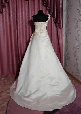 Оригинальное свадебное платье в г. Симферополь Фото 3