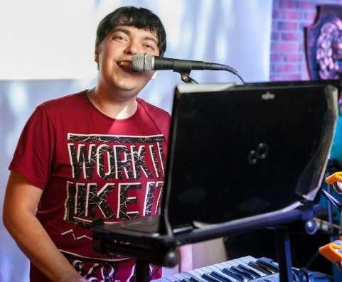 Ведущий, тамада, ди джей, дуэт ведущих в Казани Фото 6