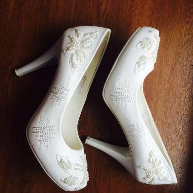 Продам свадебные туфли 37 размер в г. Васлуй Фото 3