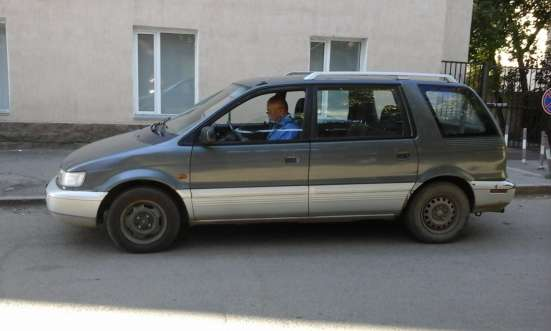 Продам автомобиль Мицубиси - Спэйс Ваген -объем - 2