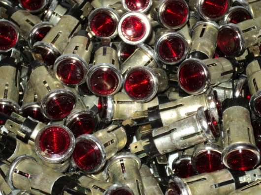 Лампа щитка приборов (красного цвета)