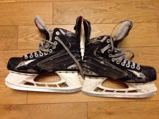 Продам хоккейные коньки Bauer