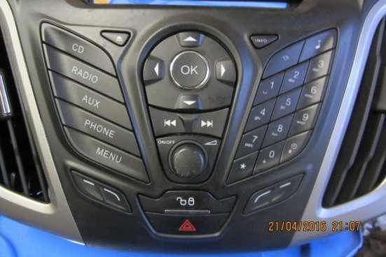 Блок кнопок для управления магнитолой Ford Focus 3