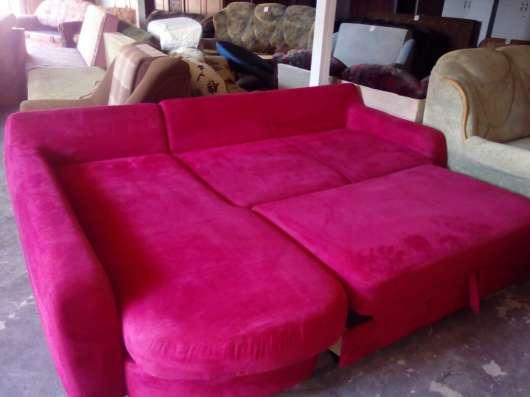 Продам угловой диван БУ с доставкой