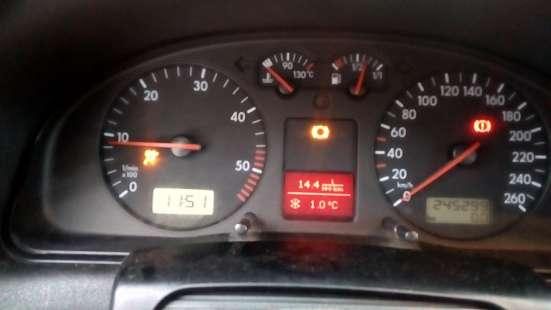 Продажа авто, Volkswagen, Passat, Механика с пробегом 240000 км, в Санкт-Петербурге Фото 4