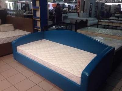 Кровать, матрас, подушки
