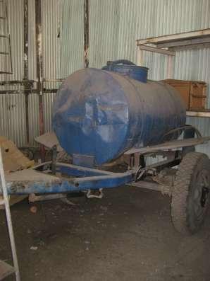 Продам емкость 2000 литров на колесном шасси в Новосибирске Фото 2