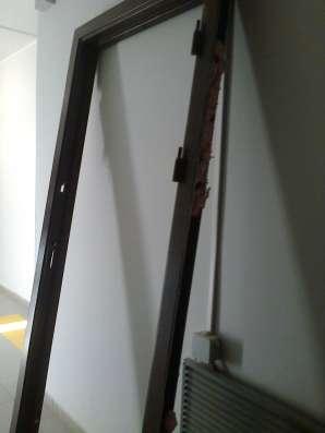 Продаю Типовую металлическую дверь