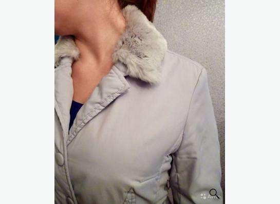 Элегантная куртка с меховой оторочкой из кролика